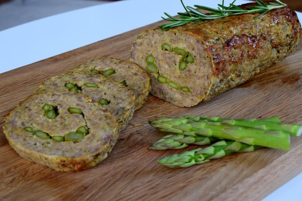 Kjøttpudding_med_asparges_Polpettone_con_asparagi