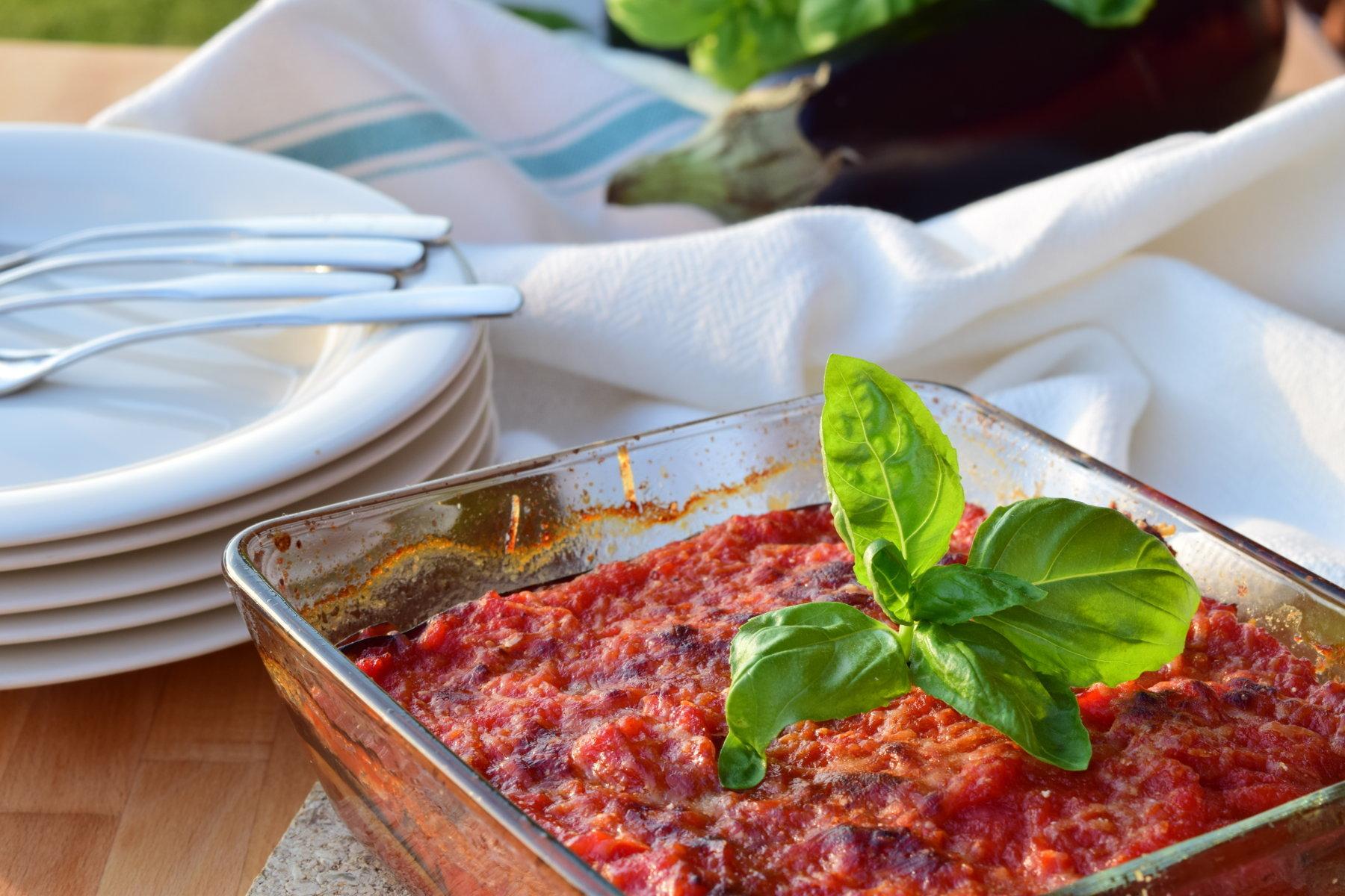 Auberginer_med_tomatsaus_parmesan